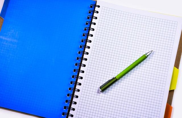 notebook-1207548_640